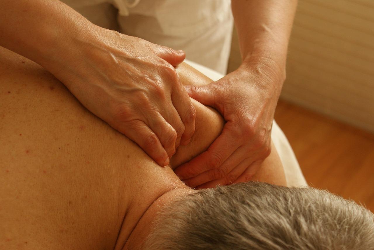 Masaż na bolące plecy